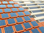 Remplacement des tuiles traditionnelles par des tuiles photovoltaïques à Nans